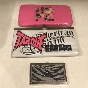 3 like new tin wallets in great condition